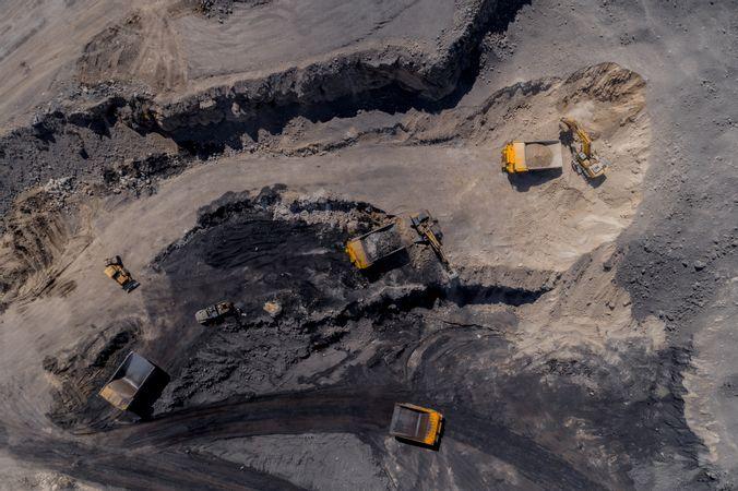 За ноябрь на Эльгинском угольном месторождении добыли и отгрузили 1 миллион тонн угля