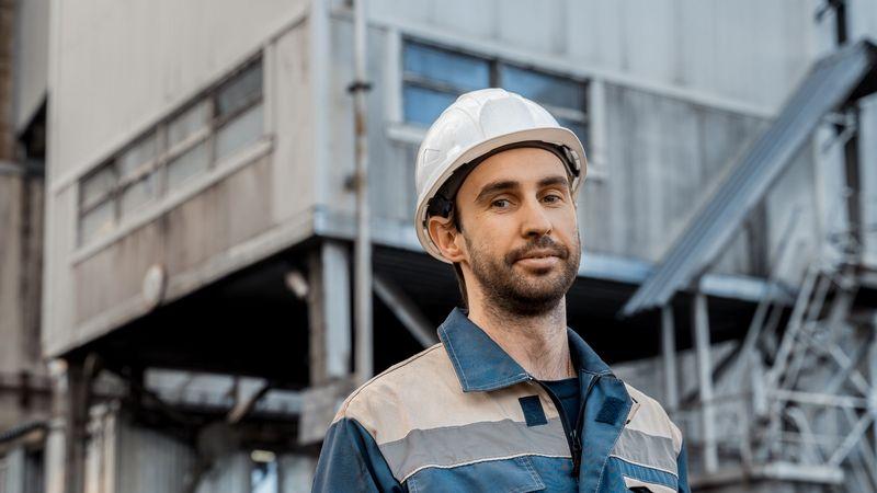 Эльгауголь погасила долги за соцвыплаты работникам