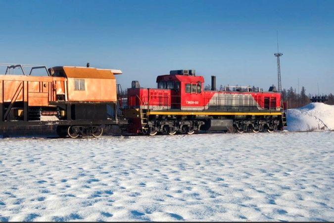 Два новых маневровых тепловоза ТЭМ28 с локомотивной бригадой появятся на Эльгинском месторождении